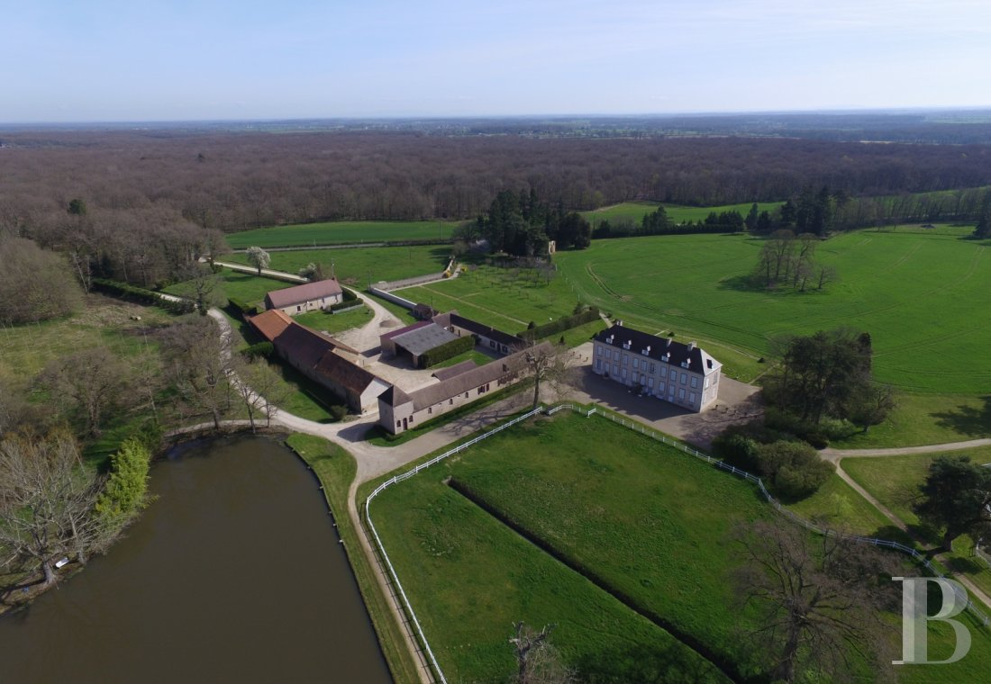 Castles / chateaux for sale - auvergne - An outstanding farm and forest estate, set out around a chateau  and large outbuildings, in the old historic province of Bourbonnais