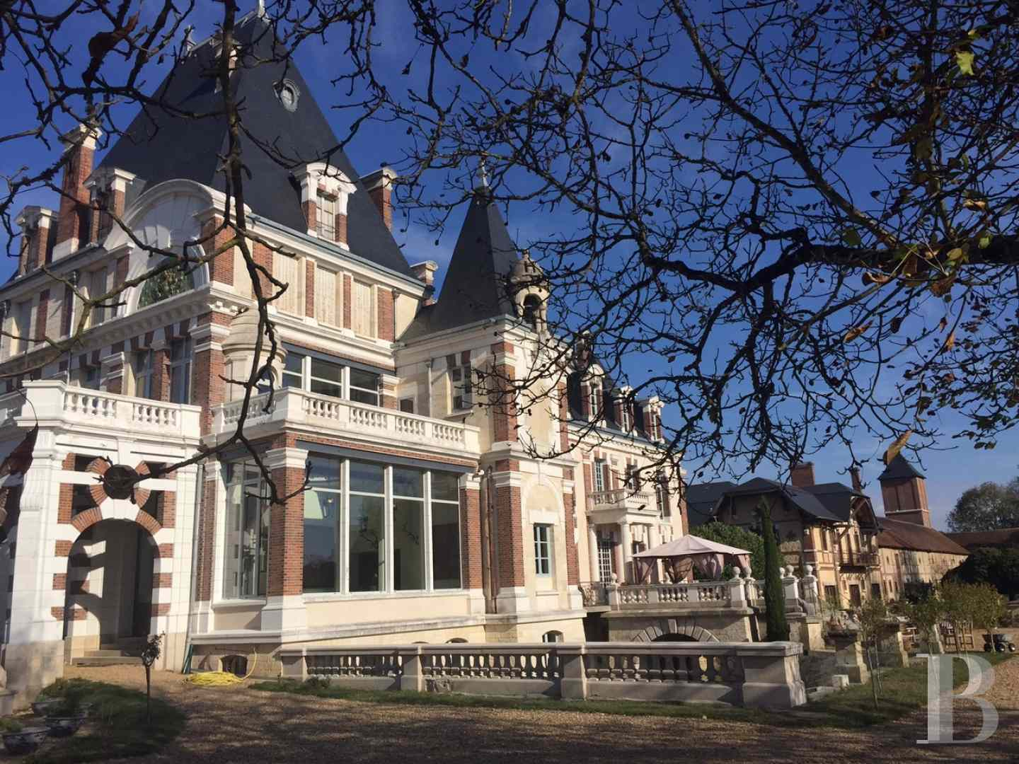 chateaux a vendre bourgogne chateau corps - 1 zoom