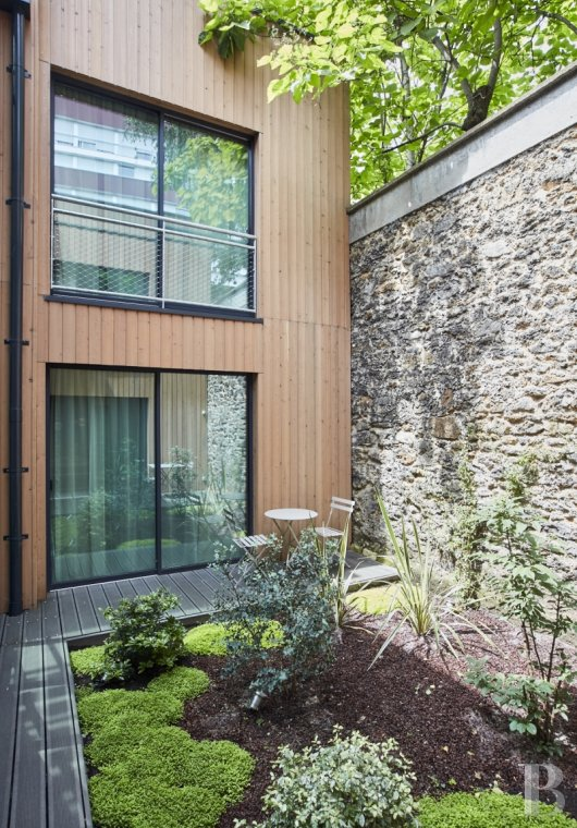 An ecological guest house in a «green bubble»  in the 11th arrondissement of Paris - photo N°1