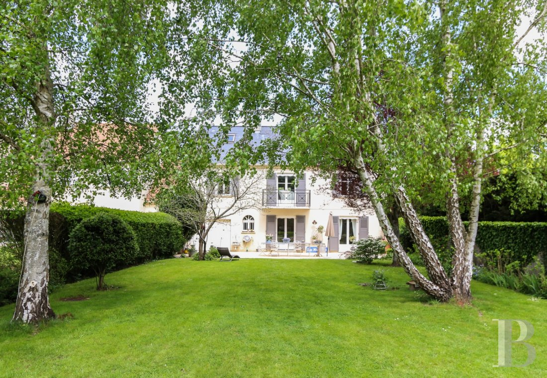 Houses for sale - ile-de-france - A family home and its 427 m² garden on the Saint-Gemme plateau in Feucherolles, in the French department of Yvelines