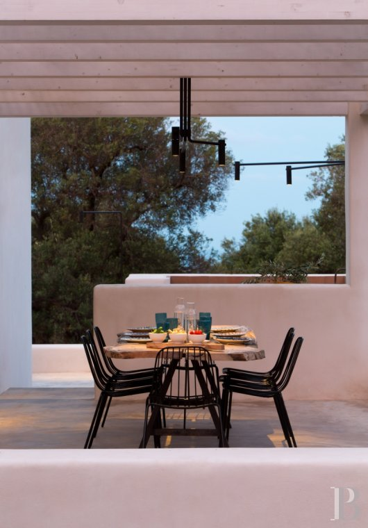 The Casa di Monti, between two seas and a field of ancient olive trees, perfect for holidays in Puglia in Southern Italy  - photo  n°42