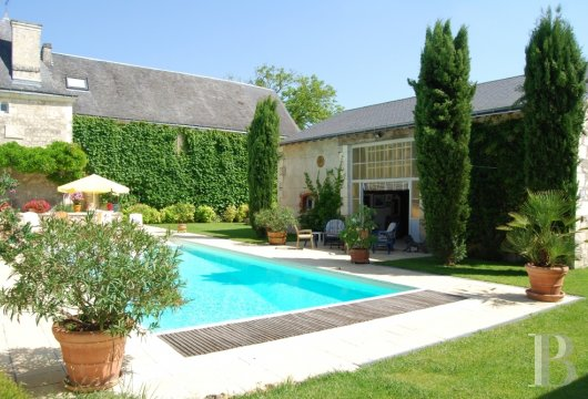 character properties France center val de loire   - 20