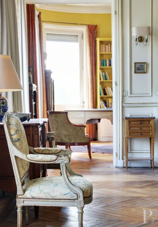 appartments for sale - paris - A 225 m² middle-class flat, which could be divided, its two outbuildings and cellars  near to Les-Invalides and Saint-François-Xavier church in Paris' 7th arrondissement