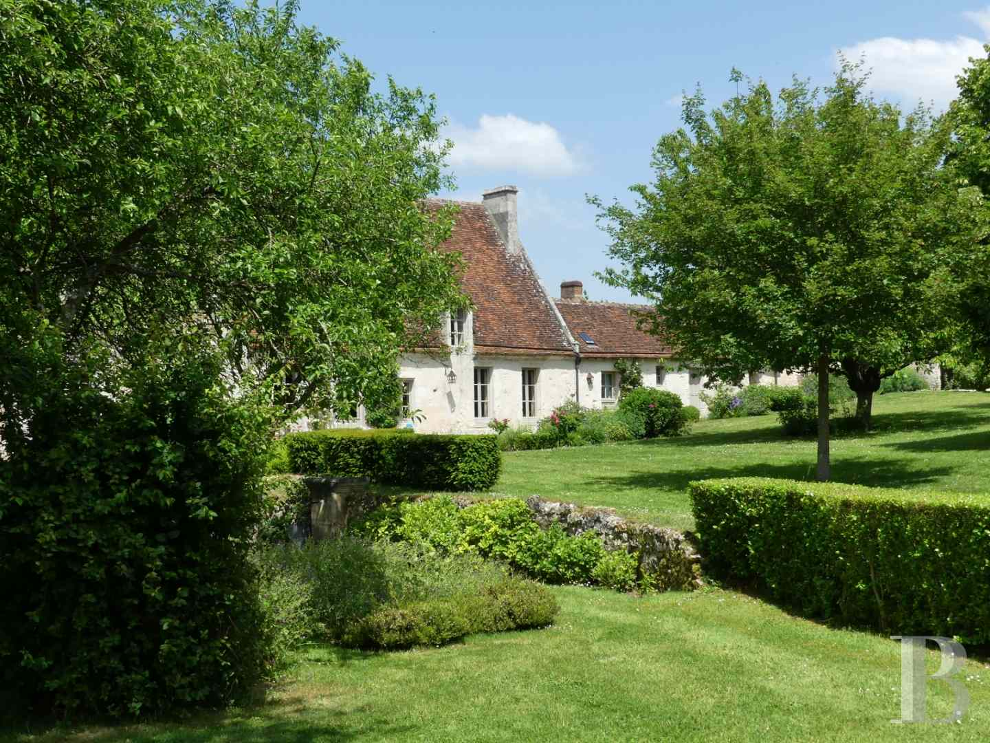 France mansions for sale lower normandy manors for - 24 zoom