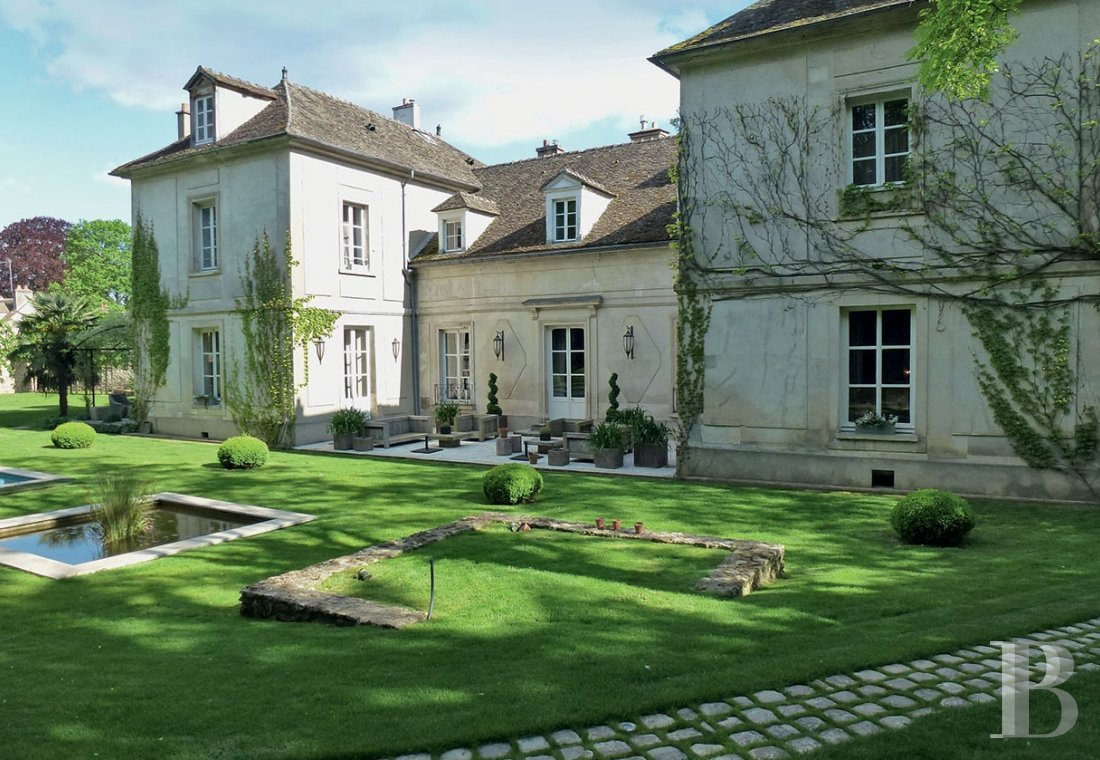A classic and elegant house for relaxing weekends, family gatherings and important meetings just 50 kilometres from Paris  - photo N°3