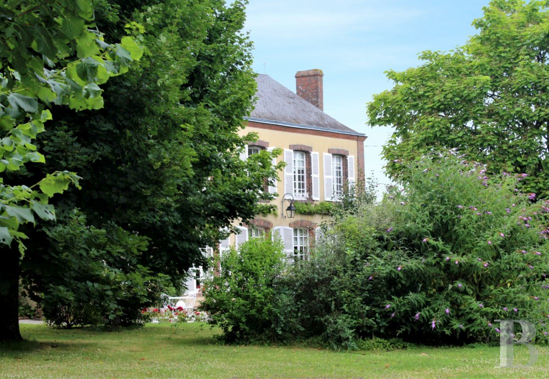 Character houses for sale - center-val-de-loire - An old, late 18th century hunting lodge  near to Vendôme less than two hours from Paris