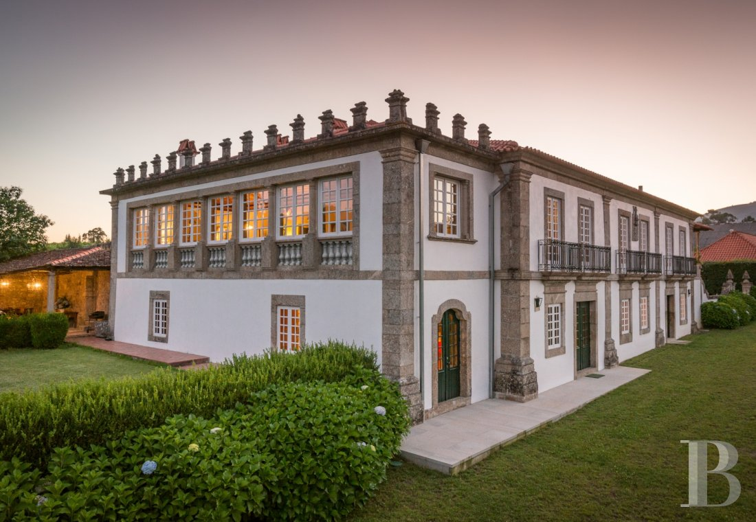 An 18th century family estate surrounded by lands and vineyards in the north of Portugal  - photo N°4