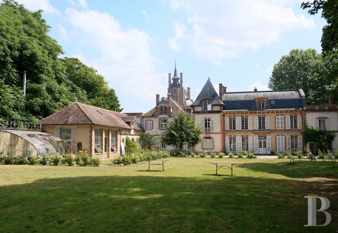 The Rosa Bonheur chateau filled with memories of the artist  at the edge of the Fontainebleau forest  - photo  n°1
