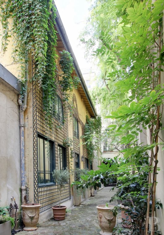 Houses for sale - paris - A house with a small garden  between Place-des-Vosges and Rue-de-Bretagne