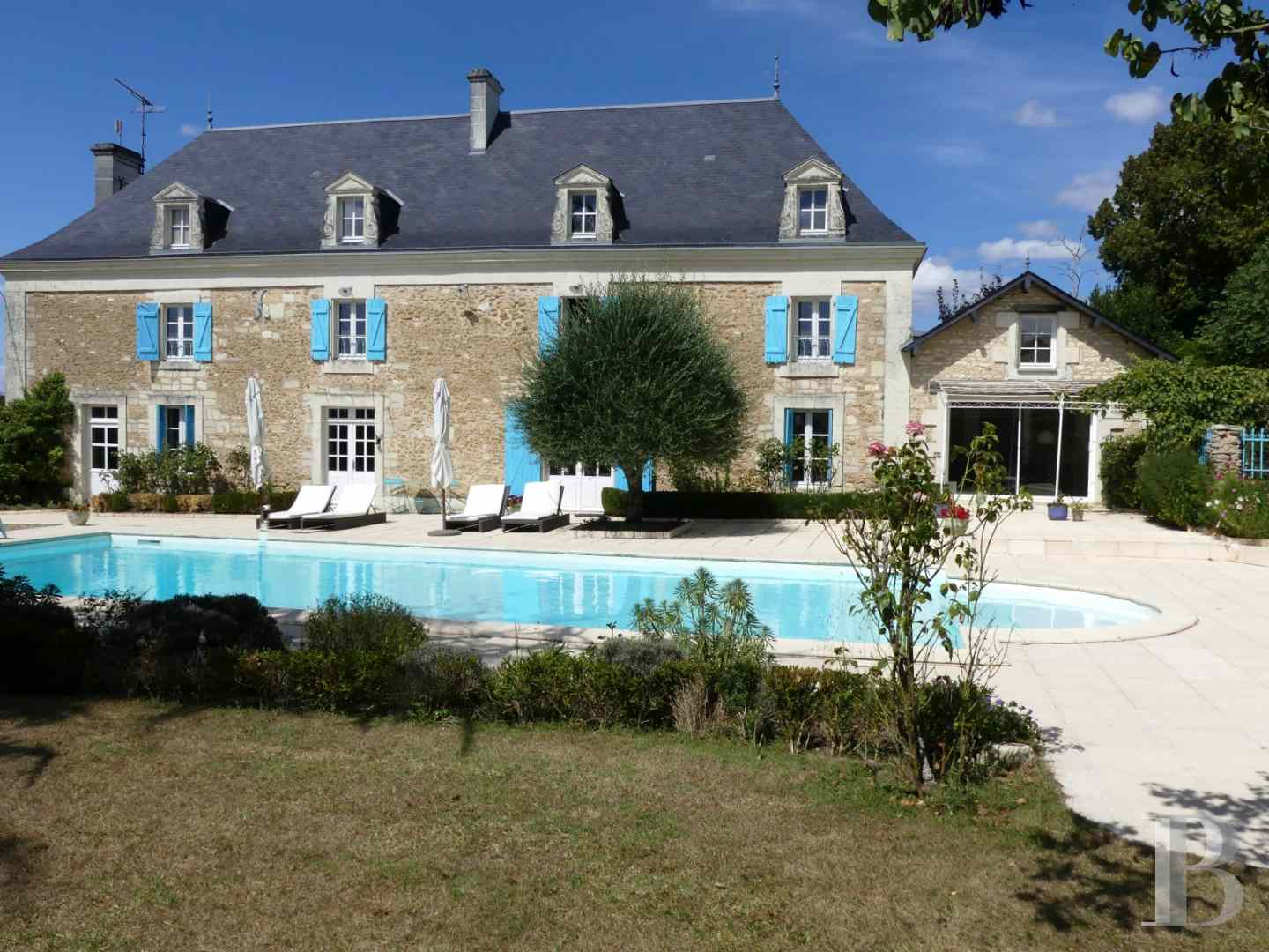 property for sale France poitou charentes residences farms - 1 zoom