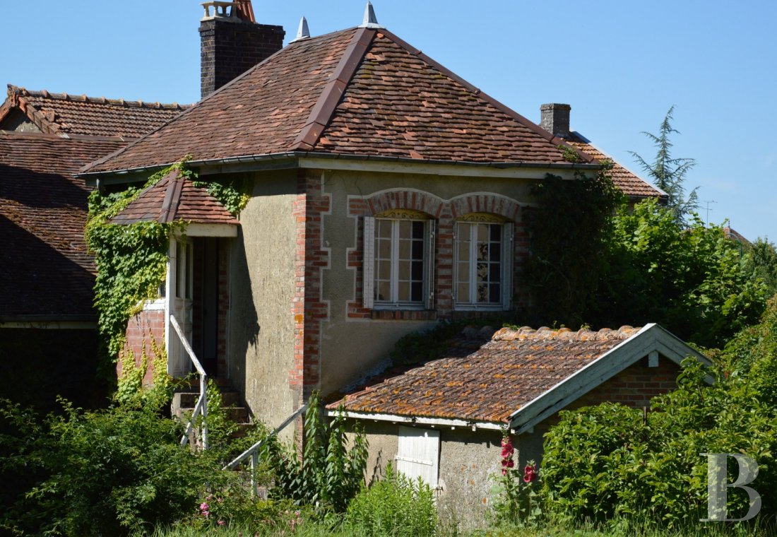 character properties France champagne ardennes character houses - 13
