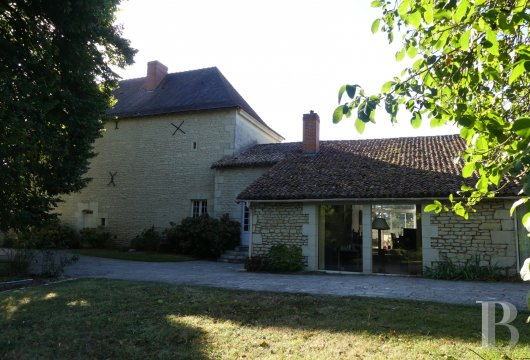 character properties France poitou charentes character houses - 2