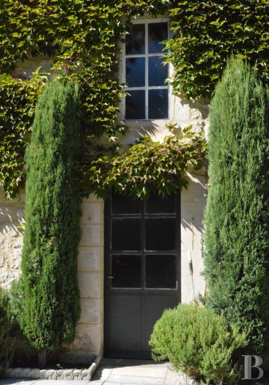 character properties France aquitaine   - 9