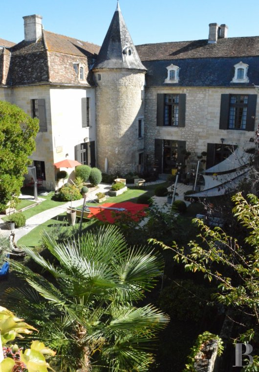 character properties France aquitaine   - 2