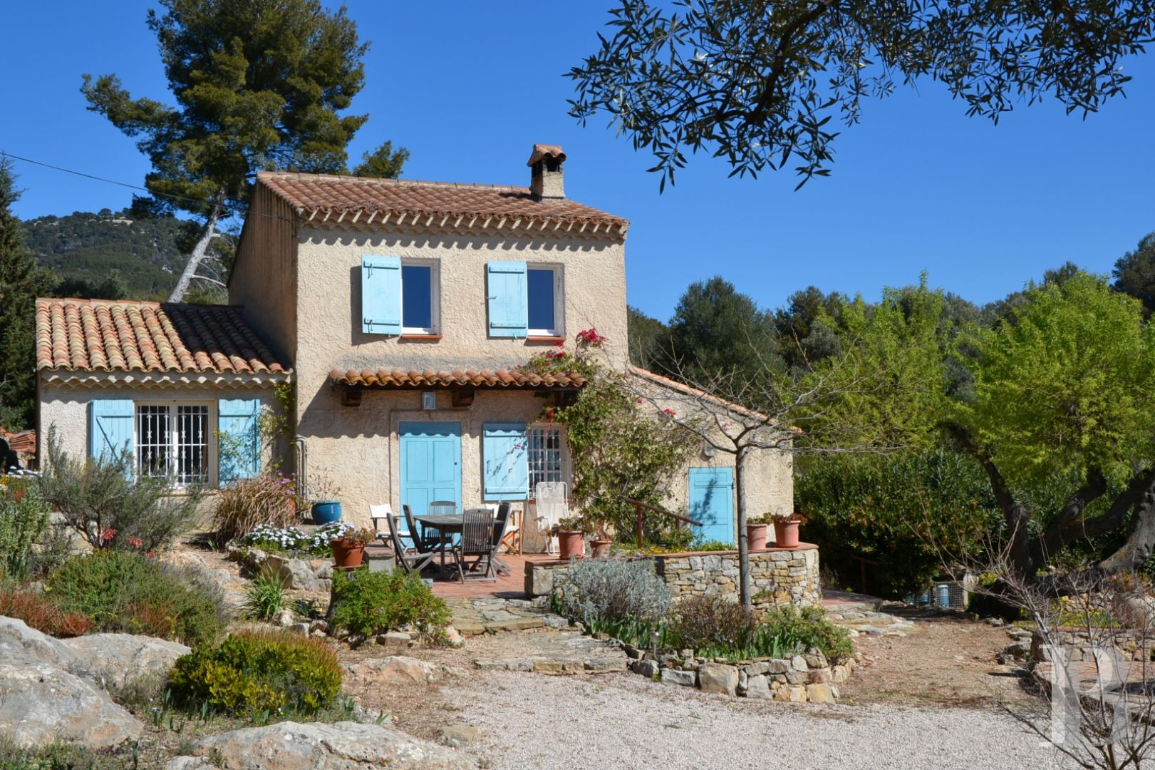 character properties France provence cote dazur character houses - 2 zoom