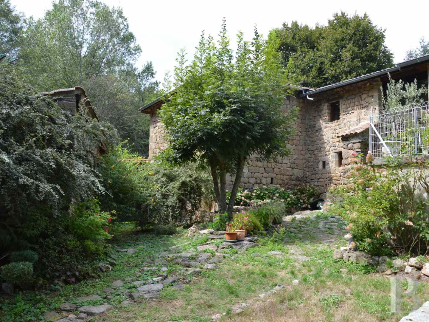 character properties France rhones alps character houses - 2 zoom