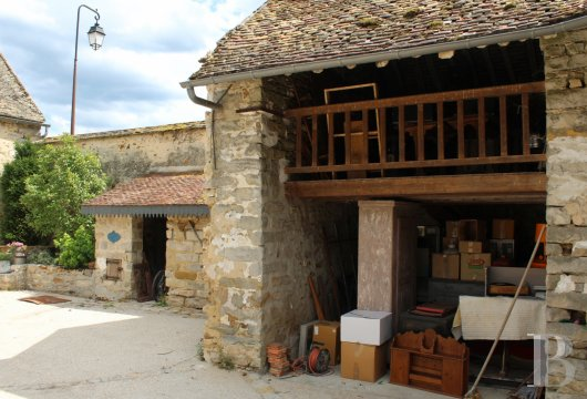 character properties France ile de france   - 11