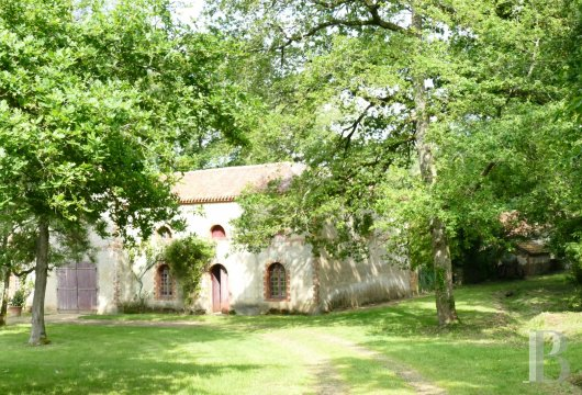 character properties France pays de loire character houses - 15