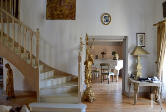 character properties France pays de loire character houses - 4