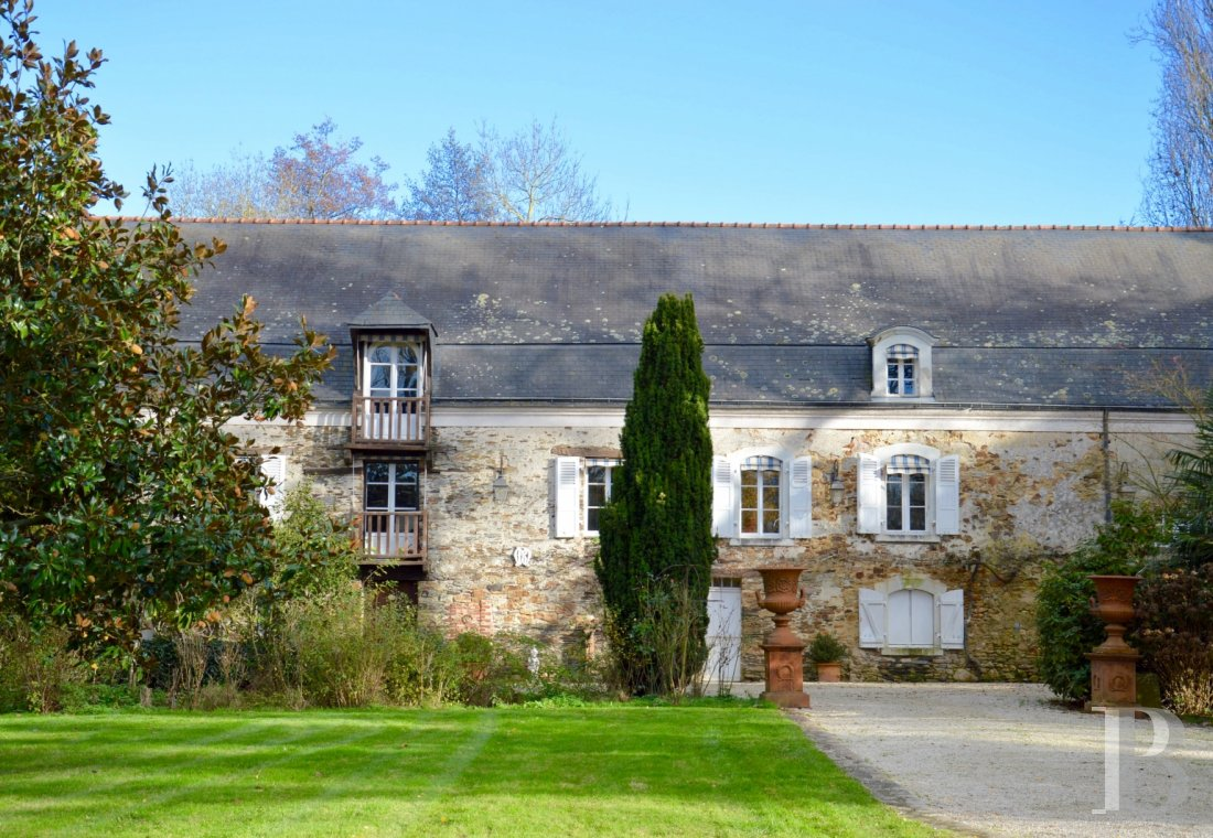 character properties France pays de loire character houses - 1