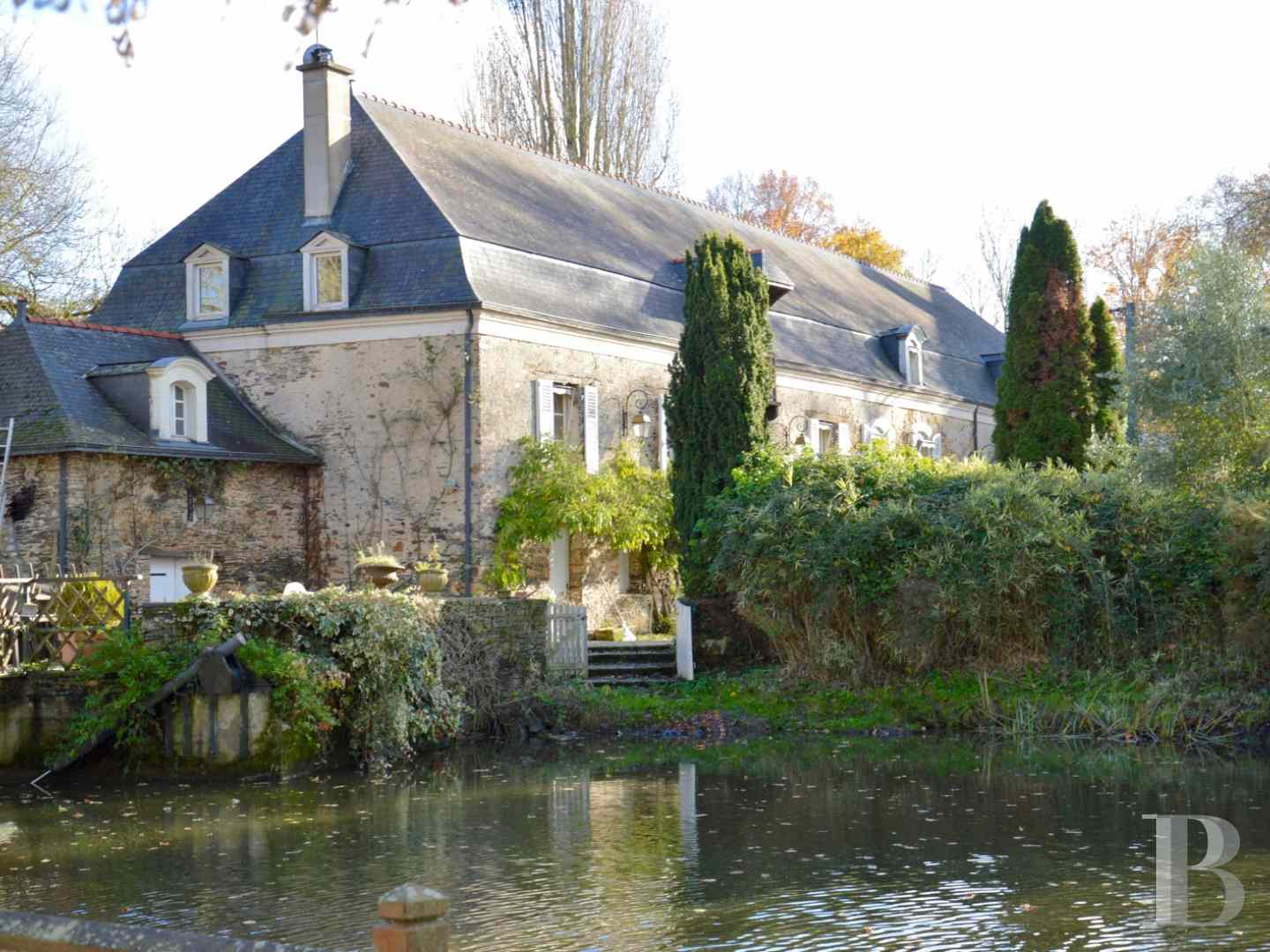 character properties France pays de loire character houses - 2 zoom