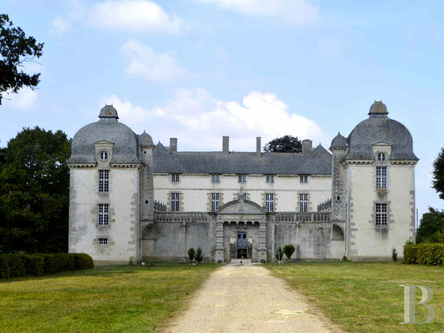 chateaux for sale France brittany castles chateaux - 2 zoom