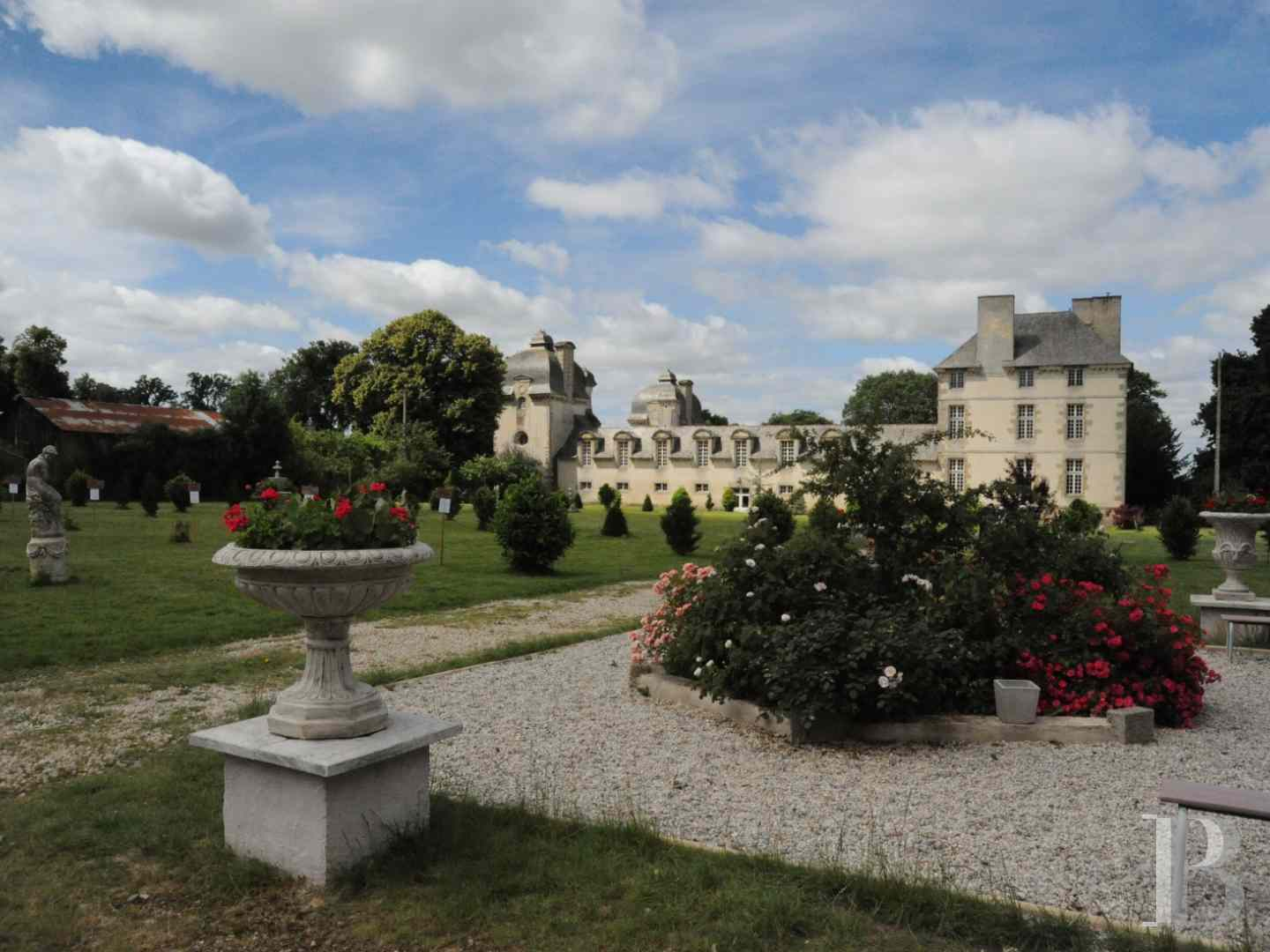 chateaux for sale France brittany castles chateaux - 4 zoom