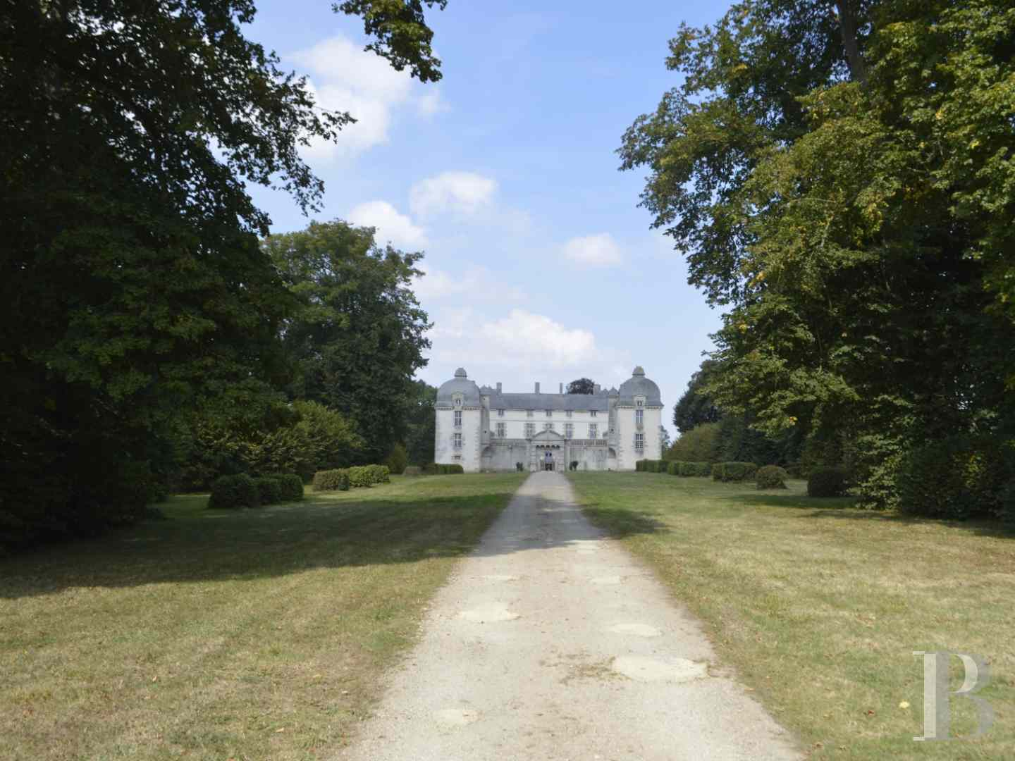chateaux for sale France brittany castles chateaux - 5 zoom