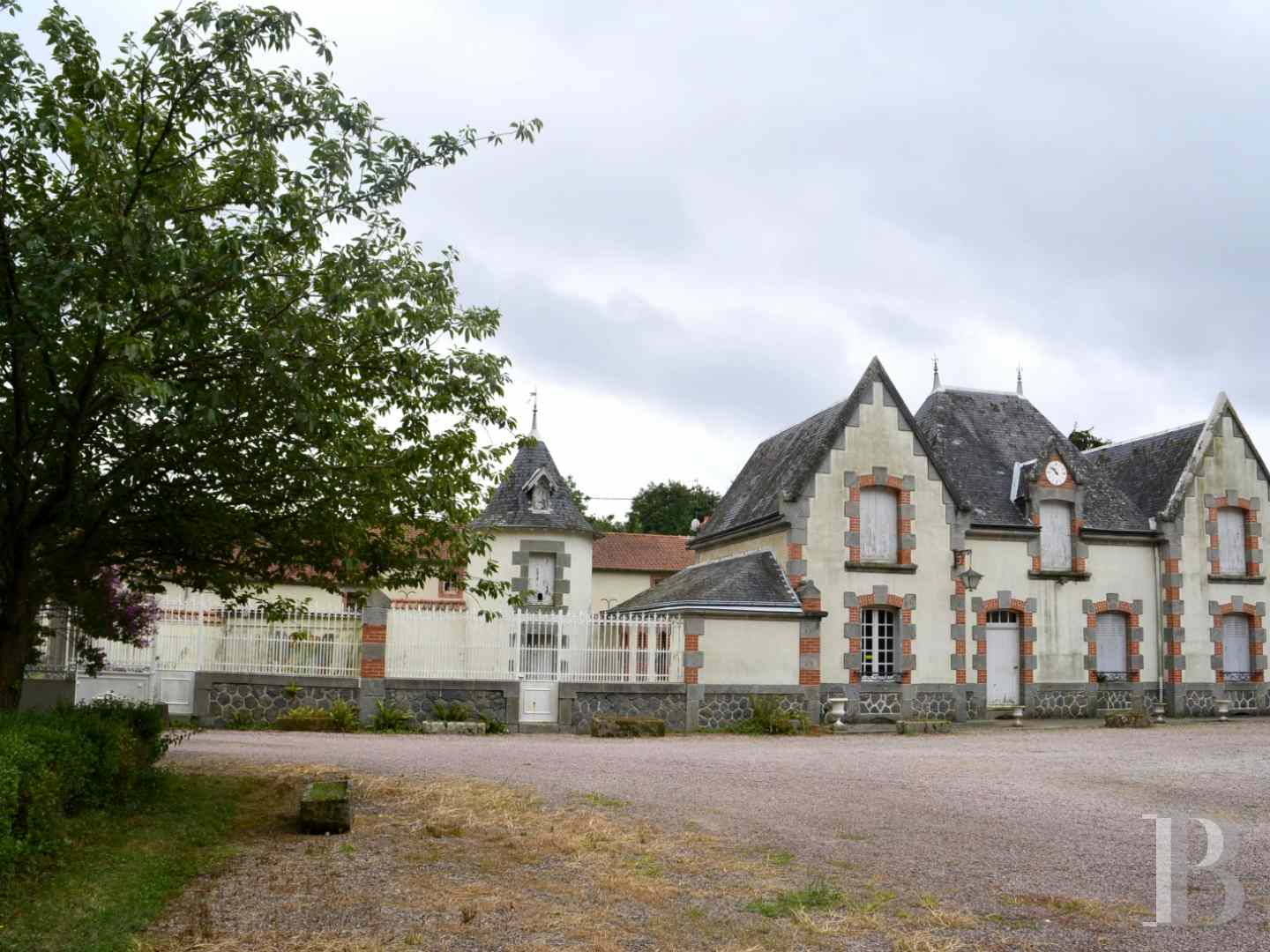 chateaux for sale France limousin castles chateaux - 5 zoom