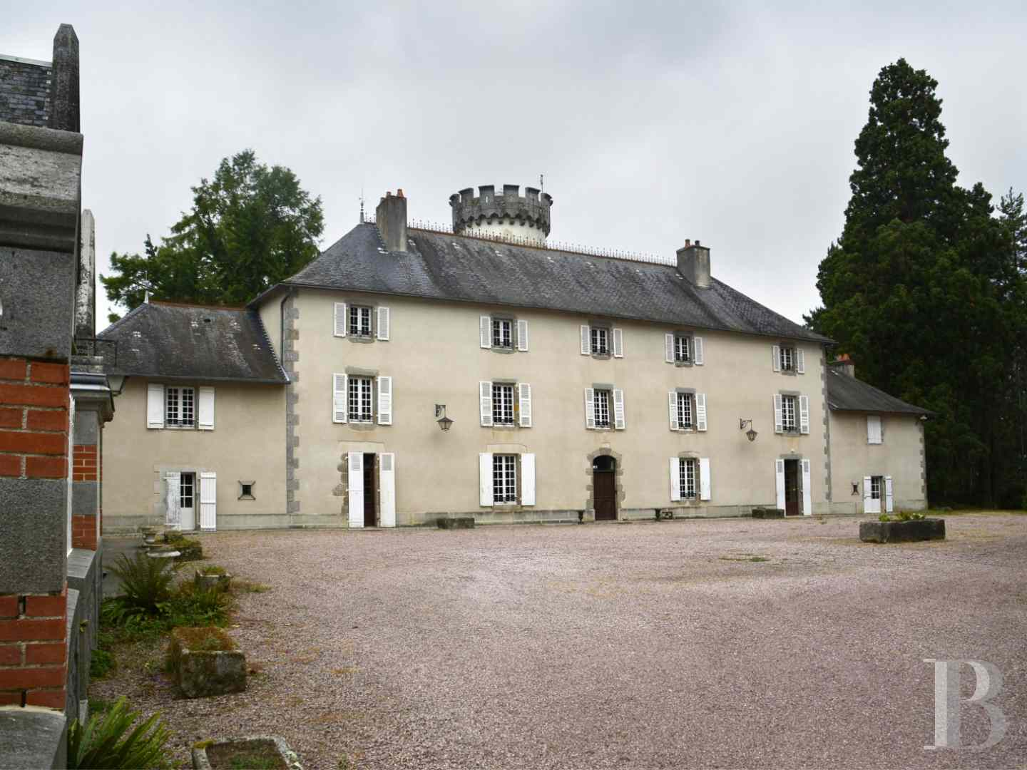 chateaux for sale France limousin castles chateaux - 1 zoom