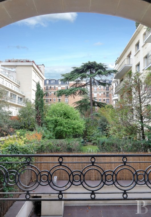 mansion houses for sale - paris - A 310 m², Art Deco style mansion house, with an 89 m² panoramic roof terrace, in a private, secure road in Neuilly-sur-Seine facing the Bois-de-Boulogne