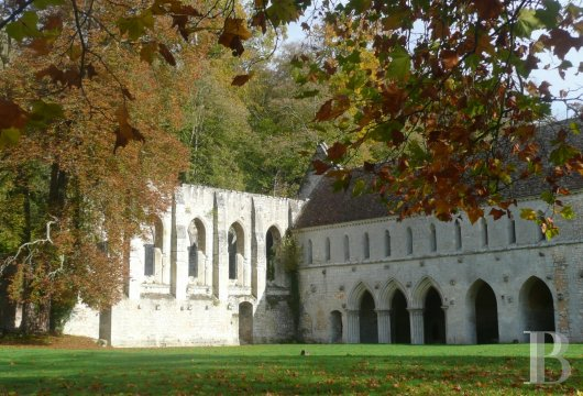 fA stirringly beautiful 13th century Cistercian abbey in the south-east of Rouen - photo N°4