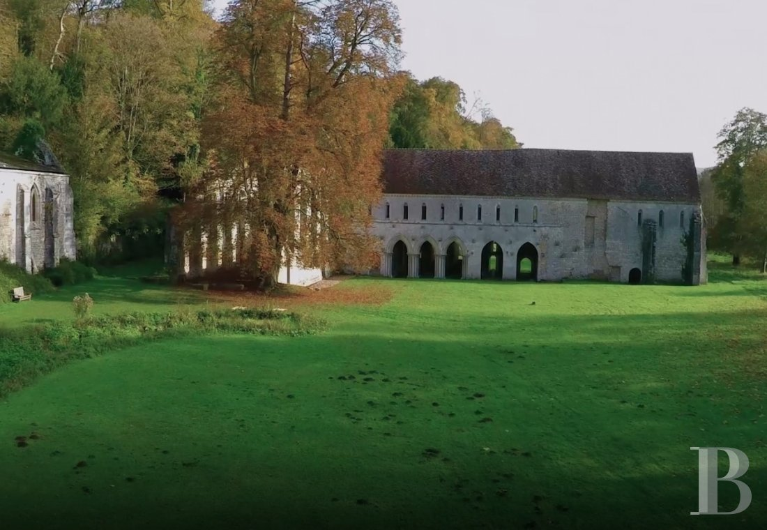 fA stirringly beautiful 13th century Cistercian abbey in the south-east of Rouen - photo N°3