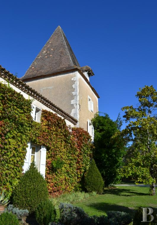 chateaux for sale France aquitaine castles chateaux - 6 mini