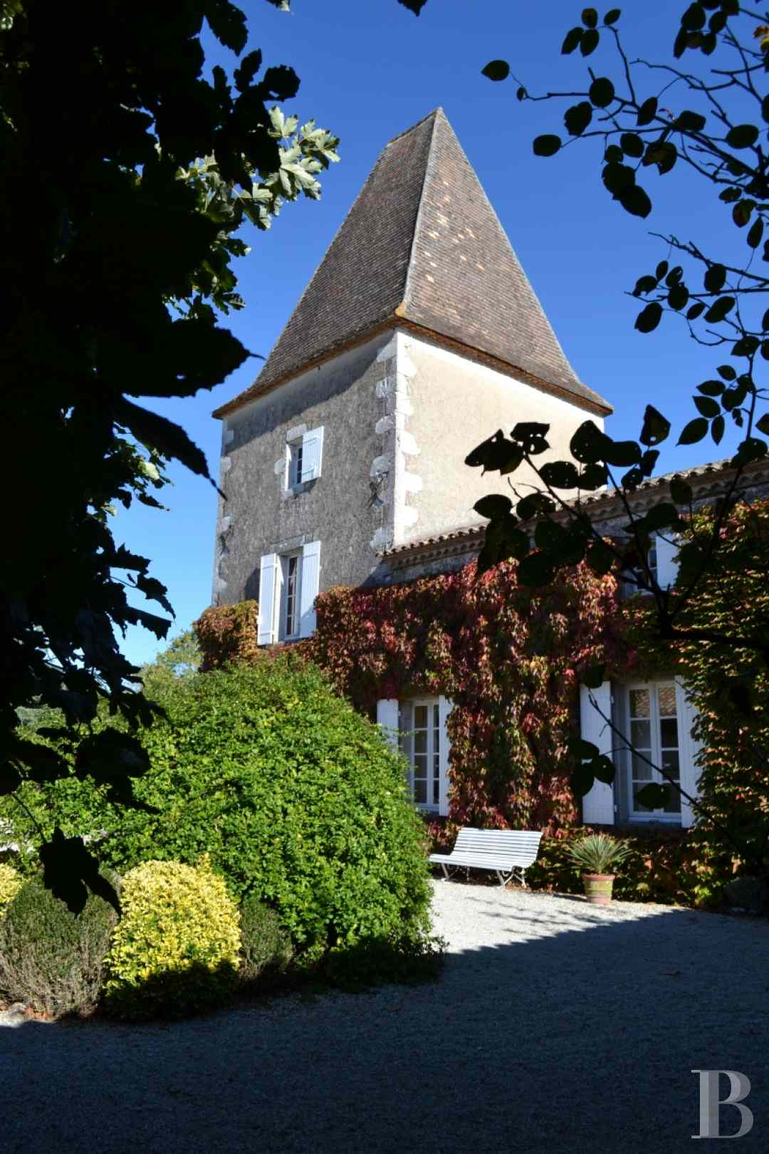 chateaux for sale France aquitaine castles chateaux - 3 zoom