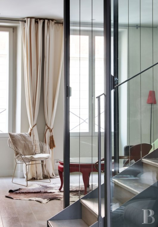 appartments for sale - paris - An astonishing 3-storey family flat, like a house, with a terrace  and garden access, in the midst of the Batignolles district