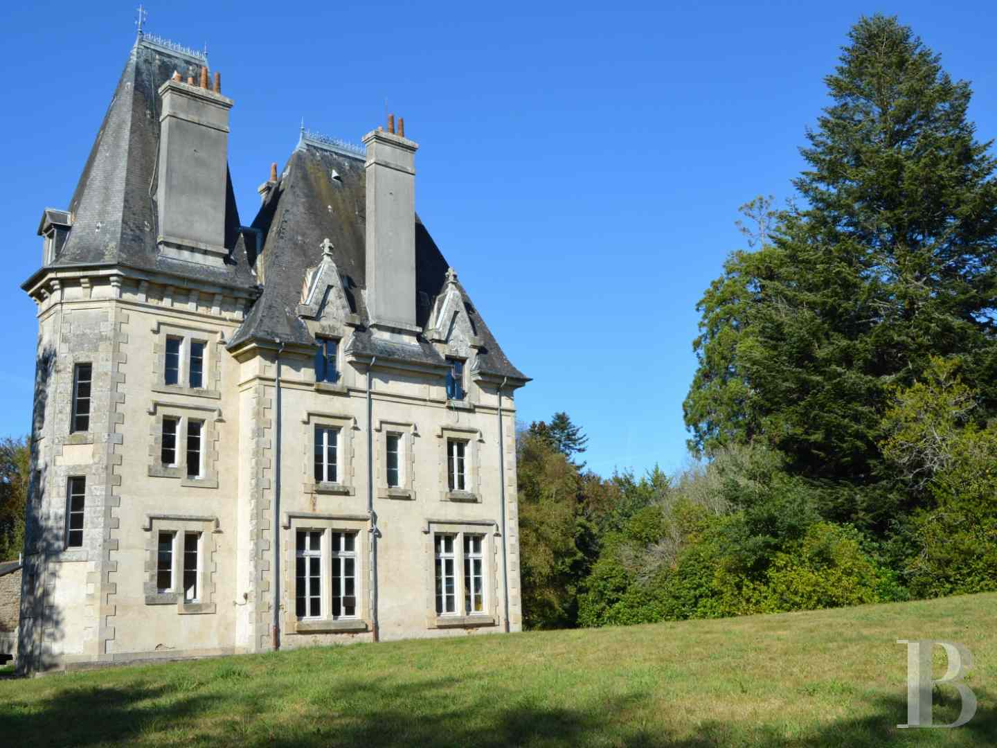 France mansions for sale brittany manors for - 6 zoom