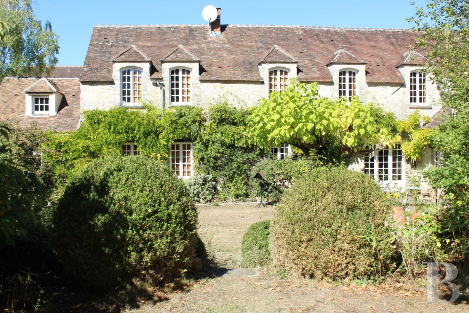 Character Houses For Sale Near Fontainebleau In France