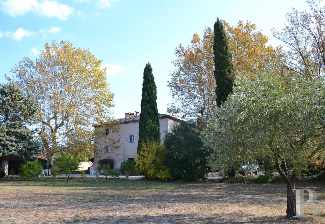 character properties France provence cote dazur character houses - 5