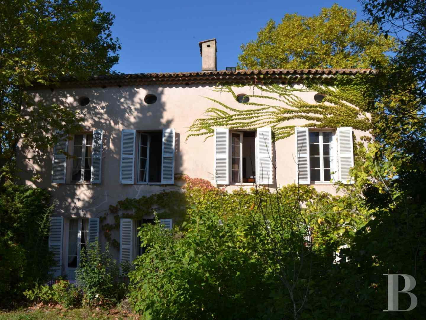 character properties France provence cote dazur character houses - 1 zoom