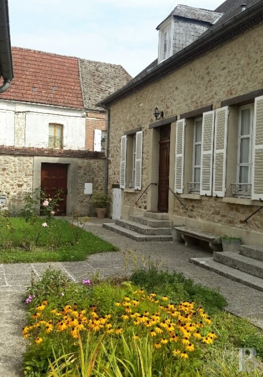 character properties France champagne ardennes character houses - 4