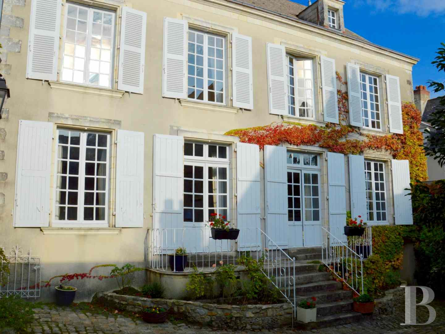 mansion houses for sale France pays de loire mansion houses - 1 zoom