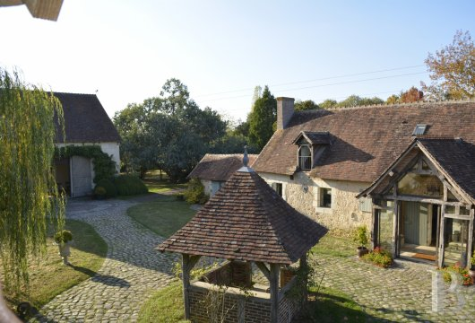 character properties France center val de loire character houses - 15