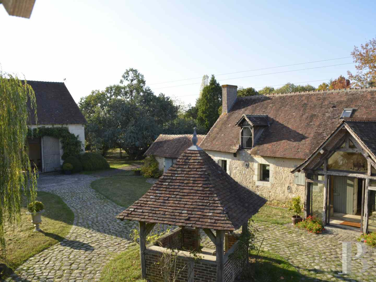 character properties France center val de loire character houses - 15 zoom