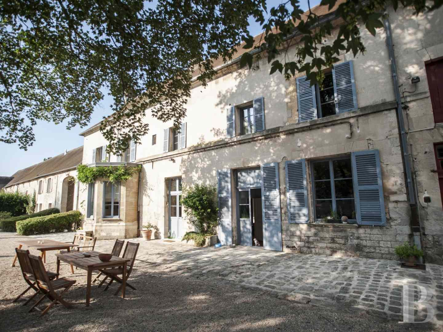 character properties France picardy character houses - 2 zoom