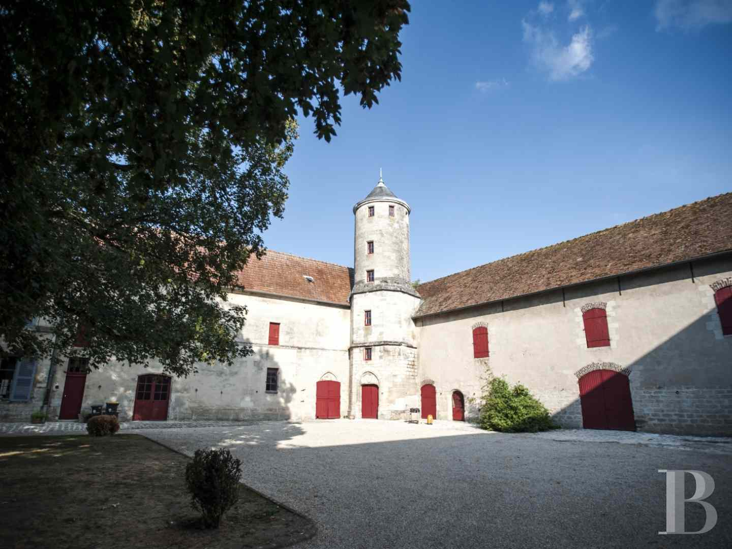 character properties France picardy character houses - 12 zoom