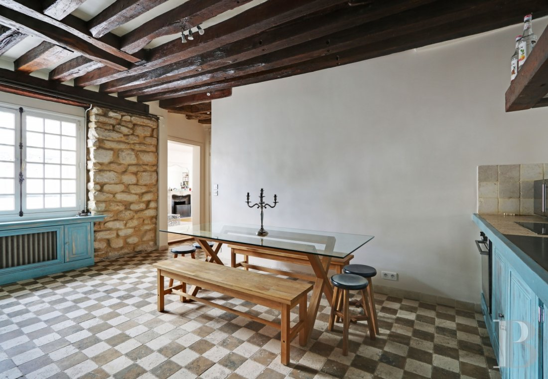 appartments for sale - paris - A quiet, bright, 88 m² flat in a 17th century building  just a stone's throw from Paris' town hall