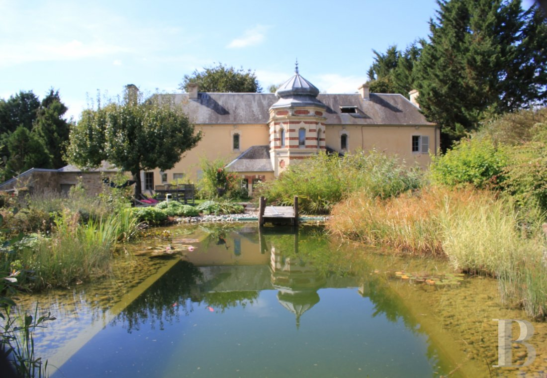 Manors for sale - lower-normandy - An equestrian property, with an 18th century residence and some 16 hectares of land, in the the bocage countryside around Vire