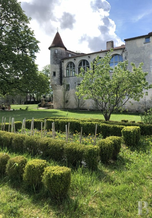 France mansions for sale poitou charentes   - 15