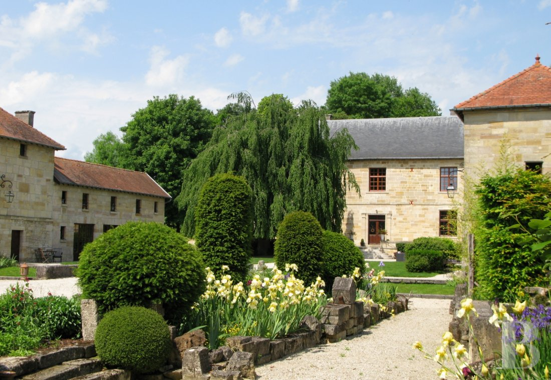 fA former fortress renovated with a contemporary spirit,  not farm from Bar-le-Duc - photo N�20